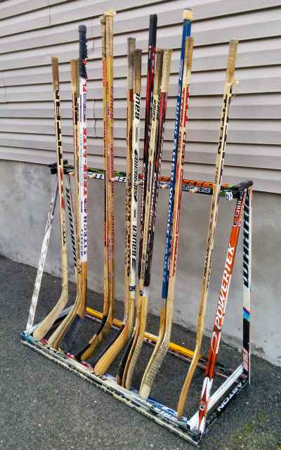 hockey stick rack with sticks